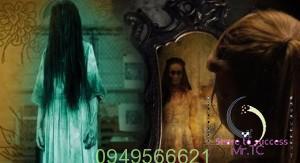 """Chải tóc và thấy """"ai đó"""" trong gương"""
